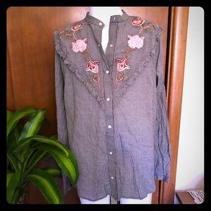 Lucky Brand button down shirt size small EUC